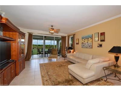 Bonita Springs Condo/Townhouse For Sale: 4120 Bayhead Dr #206