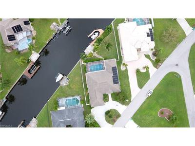 Cape Coral Single Family Home For Sale: 3729 SE 12th Pl