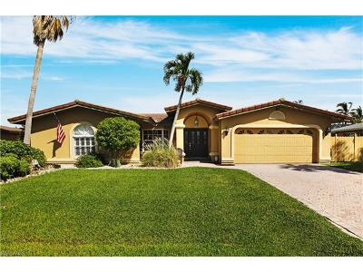 Cape Coral Single Family Home For Sale: 5205 SW 2nd Pl