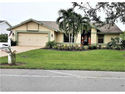 Estero Single Family Home For Sale: 22717 Fountain Lakes Blvd