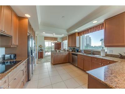 Naples Condo/Townhouse For Sale: 455 Cove Tower Dr #404
