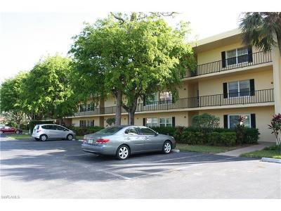 Naples Condo/Townhouse For Sale: 1087 Forest Lakes Dr #10-305