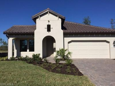 Fort Myers Single Family Home For Sale: 7548 Cypress Walk Drive