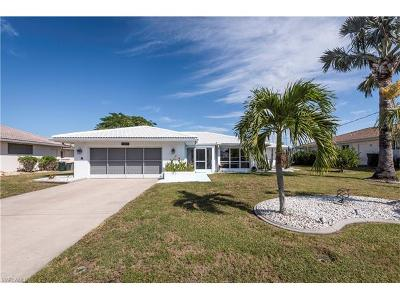 Punta Gorda Single Family Home For Sale: 300 Capri Isles Ct