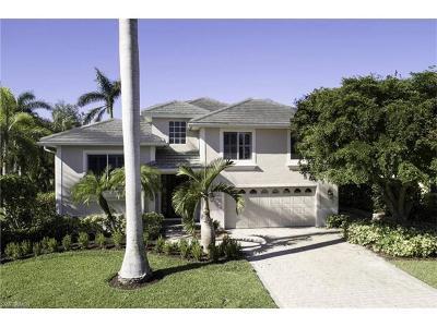 Bonita Springs Single Family Home For Sale: 27150 Driftwood Dr