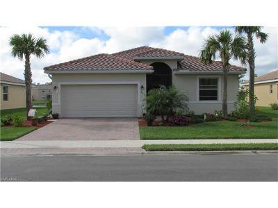 Cape Coral Single Family Home For Sale: 3652 Valle Santa Cir