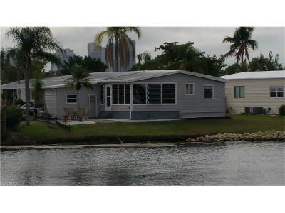 Bonita Springs Single Family Home For Sale: 4813 Tahiti Dr