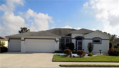 Estero Single Family Home For Sale: 23398 Olde Meadowbrook Cir