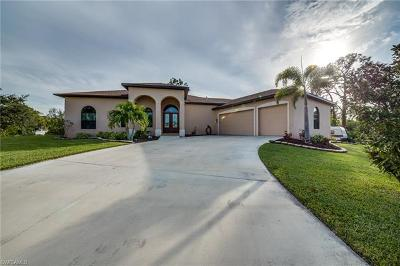 Fort Myers Single Family Home For Sale: 3722 Stoneridge Ct
