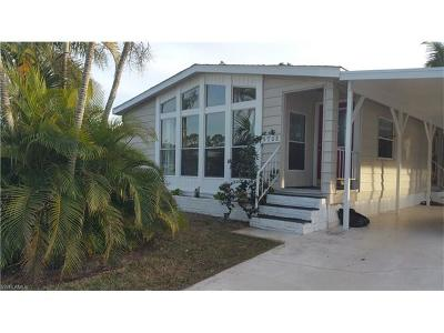 Bonita Springs Single Family Home For Sale: 4808 Tahiti Dr