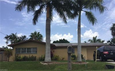 Cape Coral Single Family Home For Sale: 5333 Coral Ave