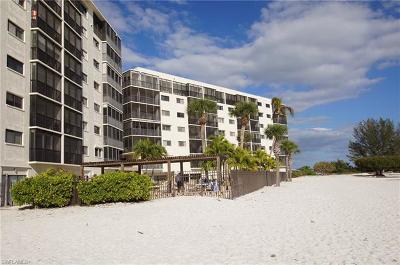 Fort Myers Condo/Townhouse For Sale: 8350 Estero Blvd #PH1