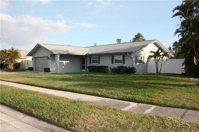 Fort Myers Single Family Home For Sale: 876 Bethany Ct N