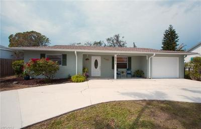 Bonita Springs Single Family Home For Sale: 27514 Los Amigos Ln