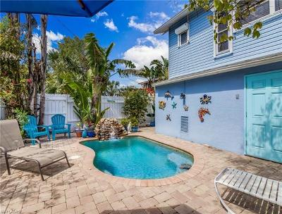 Fort Myers Beach Single Family Home For Sale: 285 Jefferson St