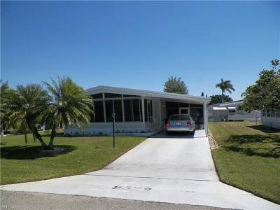 Bonita Springs Single Family Home For Sale: 9329 Knight Rd