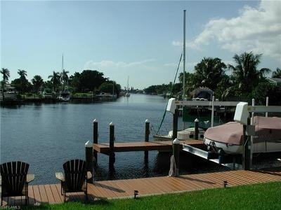 Cape Coral Single Family Home For Sale: 5728 Driftwood Pky