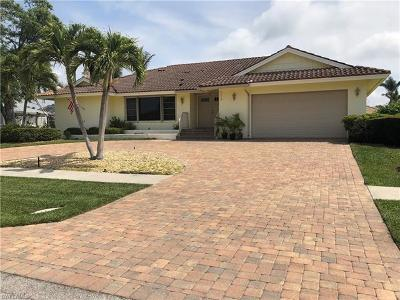Marco Island Single Family Home For Sale: 373 Rookery Ct