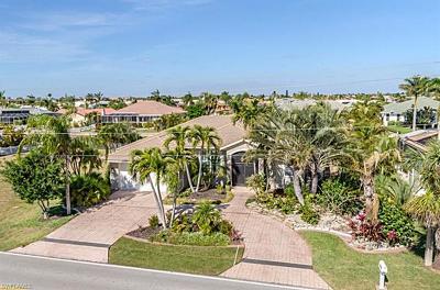 Punta Gorda Single Family Home For Sale: 2030 Aqui Esta Dr