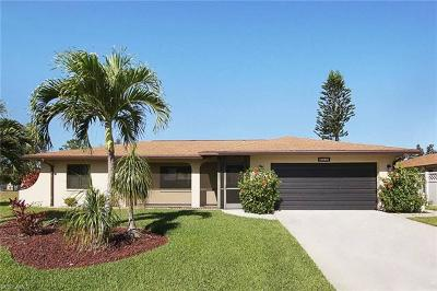 Cape Coral Single Family Home For Sale: 1020 SE 19th Ave