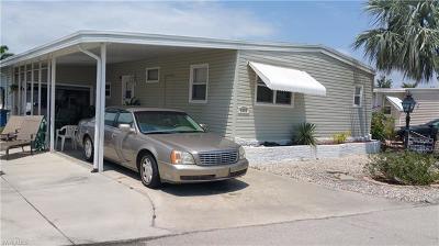 Bonita Springs Single Family Home For Sale: 4688 Lahaina Ln