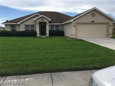 Lehigh Acres Single Family Home For Sale: 18300 Beauty Berry Ct