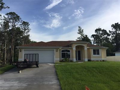Lehigh Acres Single Family Home For Sale: 5550 Beck St