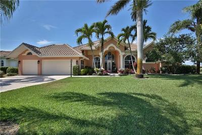 Bonita Springs Single Family Home For Sale: 9837 Alhambra Ln