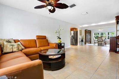 Fort Myers Beach Single Family Home For Sale: 8211 Estero Blvd