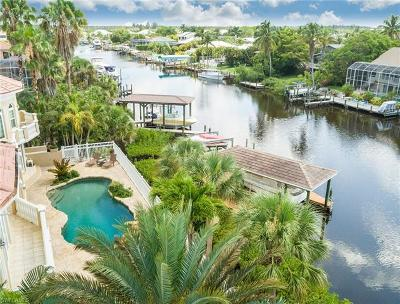 Fort Myers Beach Single Family Home For Sale: 18181 Old Pelican Bay Dr