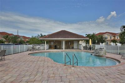 Fort Myers Condo/Townhouse For Sale: 5790 Harbour Club Rd #101