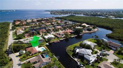 Fort Myers Single Family Home For Sale: 6498 Griffin Blvd