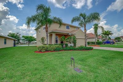 Naples Single Family Home For Sale: 1516 Birdie Dr