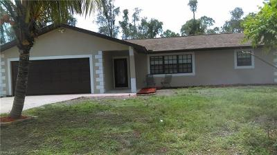 Fort Myers Single Family Home For Sale: 8205 Winged Foot Dr