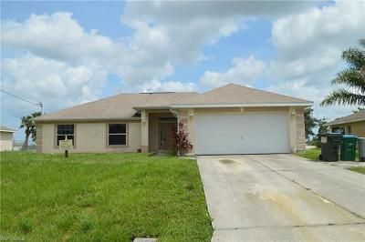 Cape Coral Single Family Home For Sale: 1030 N Gator Cir