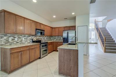 Fort Myers Single Family Home For Sale: 9339 Golden Rain Ln