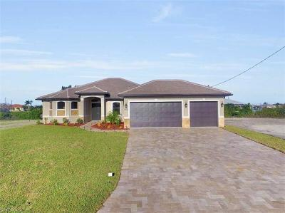 Cape Coral Single Family Home For Sale: 2515 Gleason Pky
