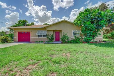 Fort Myers Single Family Home For Sale: 8052 Sanibel Blvd