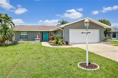 Fort Myers Single Family Home For Sale: 9734 Deerfoot Dr