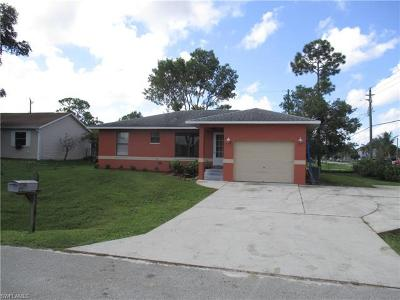 Fort Myers Single Family Home For Sale: 8518 Morris Rd