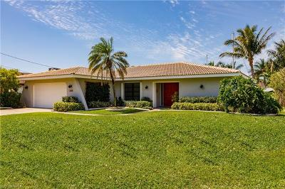 Cape Coral Single Family Home For Sale: 2510 SE 24th Ave