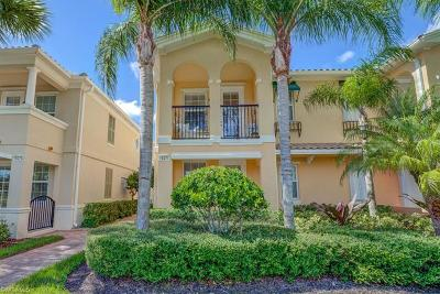 Bonita Springs Condo/Townhouse For Sale: 15071 Auk Way