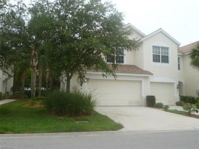 Fort Myers Single Family Home For Sale: 8440 Village Edge Cir #6