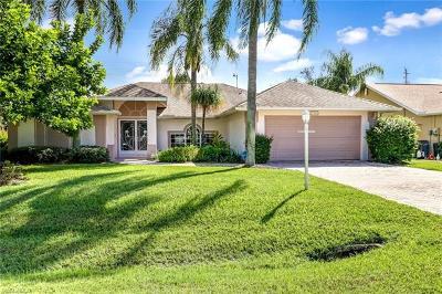 Bonita Springs Single Family Home For Sale: 27361 Preservation St