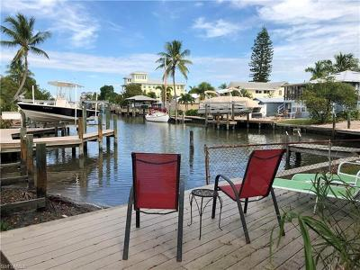 Fort Myers Beach Multi Family Home For Sale: 117 Palermo Cir