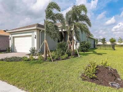 Bonita Springs Single Family Home For Sale: 16062 Starglazer Pl