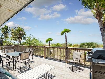 Fort Myers Beach Single Family Home For Sale: 6000/6002 Gulf Rd
