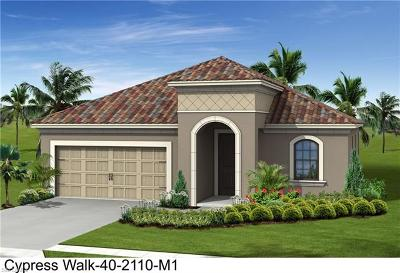 Fort Myers Single Family Home For Sale: 7620 Cypress Walk Drive