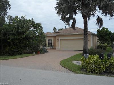 Bonita Shores Single Family Home Pending: 31 3rd St