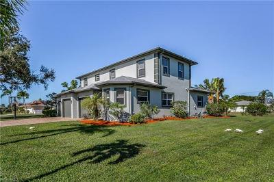 Bonita Springs Single Family Home For Sale: 3520 Gulf Harbor Ct